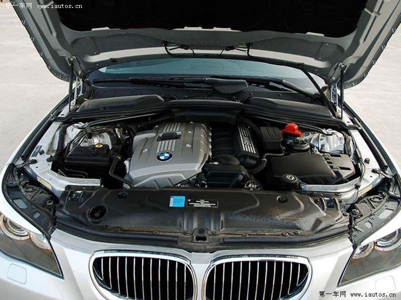 发动机仓-宝马5系,宝马530i 3.0 a mt06款 新车报价 车型对比高清图片
