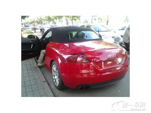 奥迪tt事故车修复过程 美女开奥迪tt的车照片 高清图片
