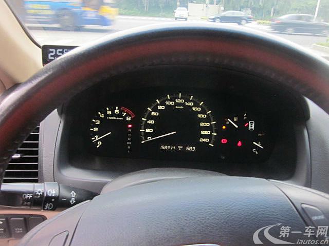 东莞长安镇二手本田雅阁2006款2.0L自动标奔腾x40风挡玻璃有异响图片