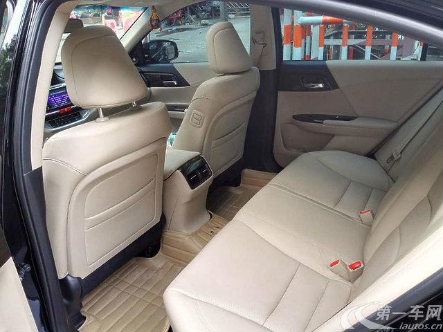 东莞长安镇二手雅阁本田2014款2.4L自动豪奔驰威霆3.0变速箱几升油图片