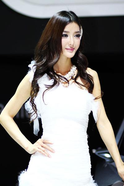 2011广州车展模特风采-广州车展车模美图-第一
