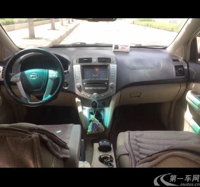 比亚迪S6 白金版 2013款 2.0L 手动 前驱 尊贵型 (国Ⅳ)