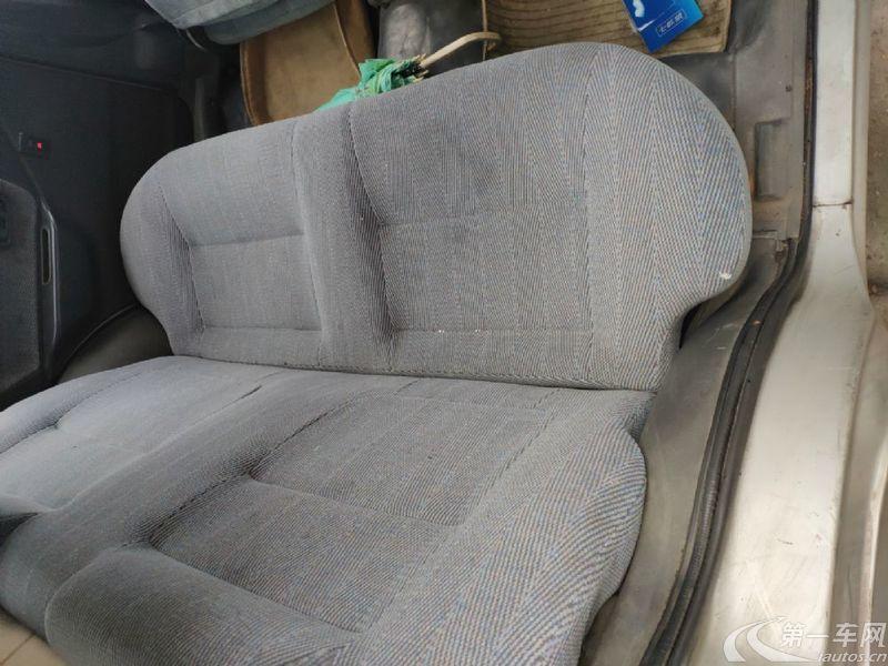 天津一汽夏利N3 2004款 1.1L 手动 两厢轿车 基本型 (国Ⅲ)
